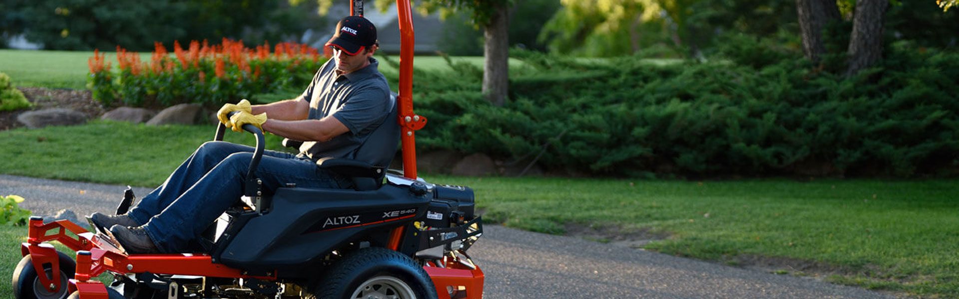 XE Series Zero Turn mower
